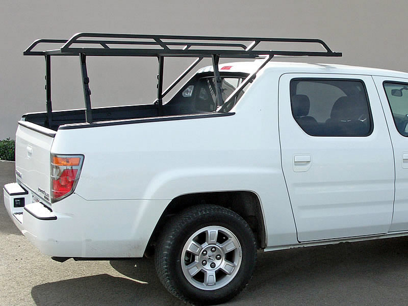 The Honda RidgeLine Rack 3 rack complements the design lines of the Ridgeline as it extends over the cab.