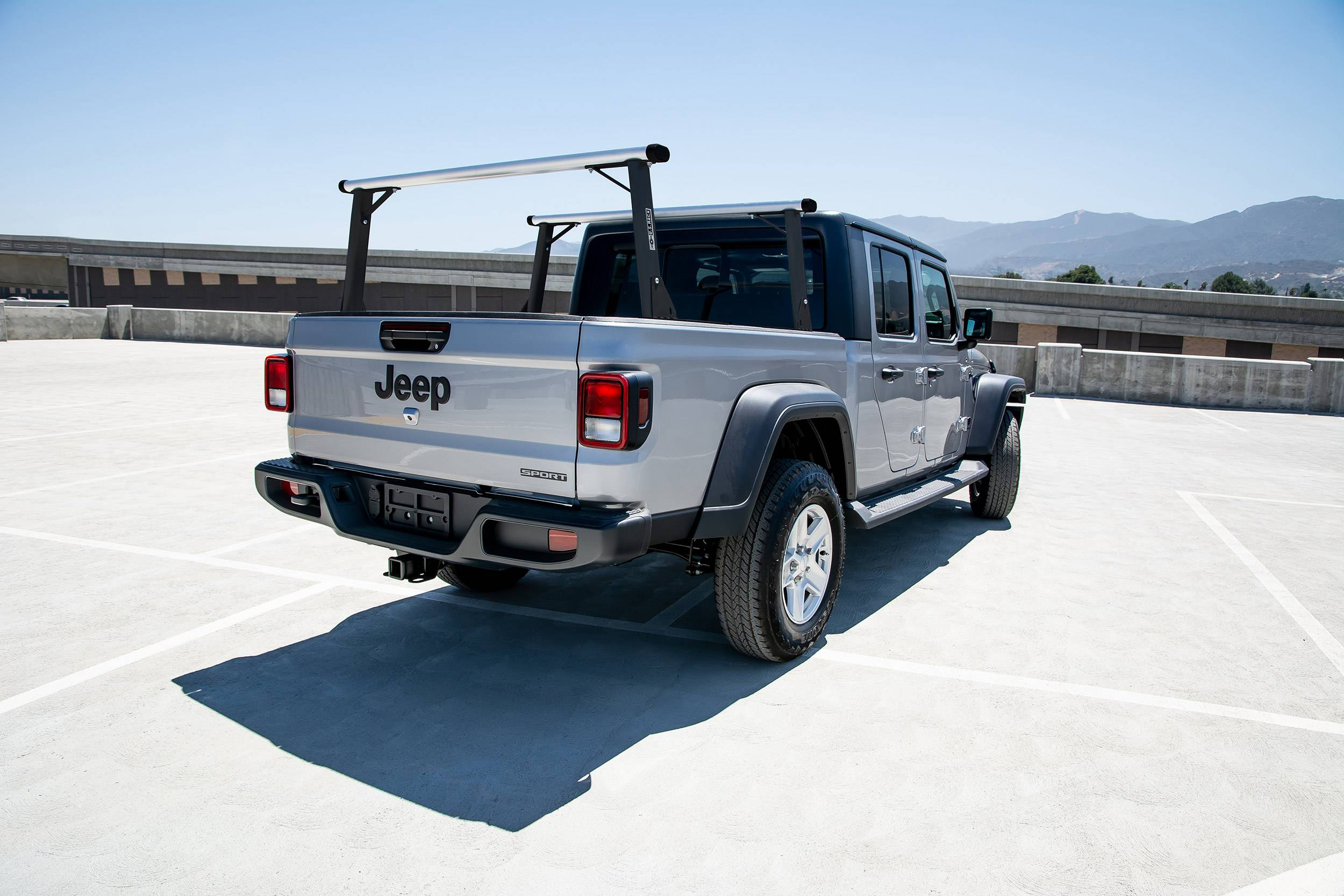 2020-2021 Jeep Gladiator Clipper Truck Rack, Fleetside, Track System, Cab Height, Brushed Cross Bar, Black Legs and Base - PN #82240252