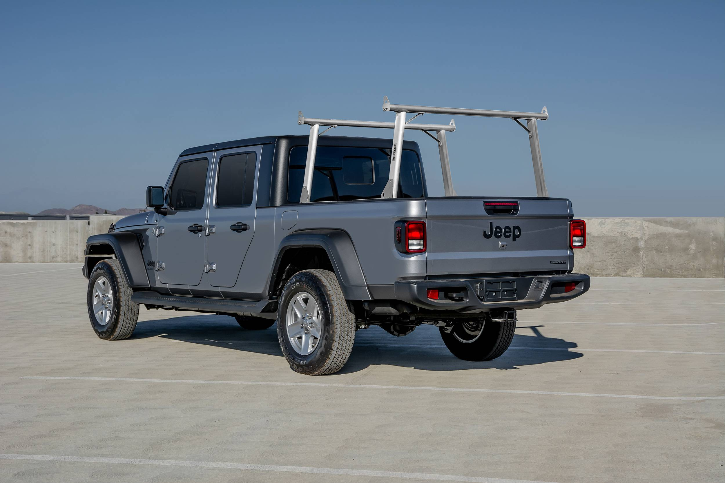 2020 Jeep Gladiator Clipper Truck Rack, Fleetside, Track System, Above Cab Height, Brushed Cross Bar and Legs With Bead Blasted Base - PN #82240150