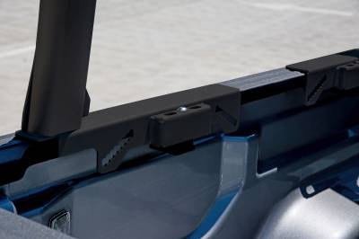 2020-2021 Jeep Gladiator Clipper Truck Rack, Fleetside, Track System, Cab Height, Brushed Cross Bar, Black Legs and Base - PN #82240252 - Image 4
